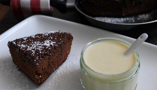 Gâteau moelleux au chocolat caramel cuit à la poêle