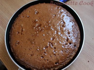 G teau moelleux au chocolat caramel cuit la po le - Meilleure poele anti adhesive ...